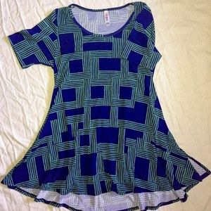 Lularoe Perfect-T~~Comfy jersey material!